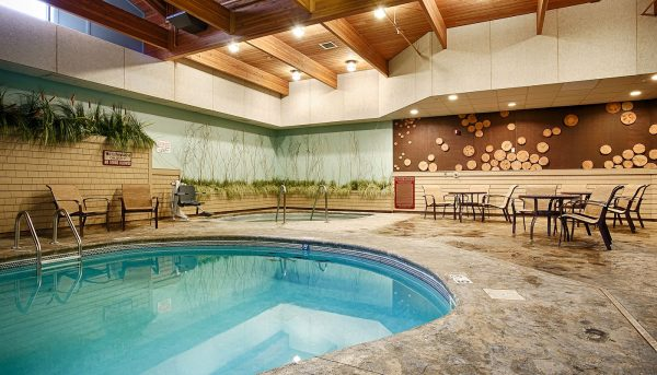 The Lodge on Lake Detroit - Indoor Pool