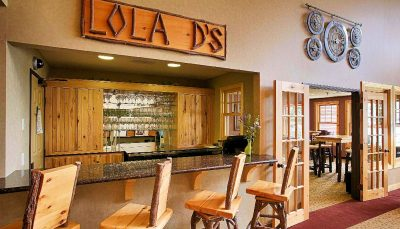 Lola Ds Bar & Bistro at the Lodge on Lake Detroit