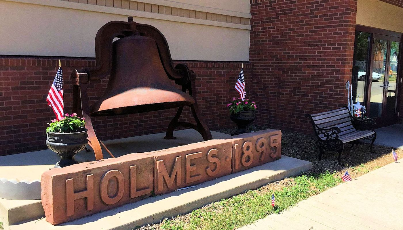 Historic Holmes Theatre near  The Lodge on Lake Detroit in Detroit Lakes, MN