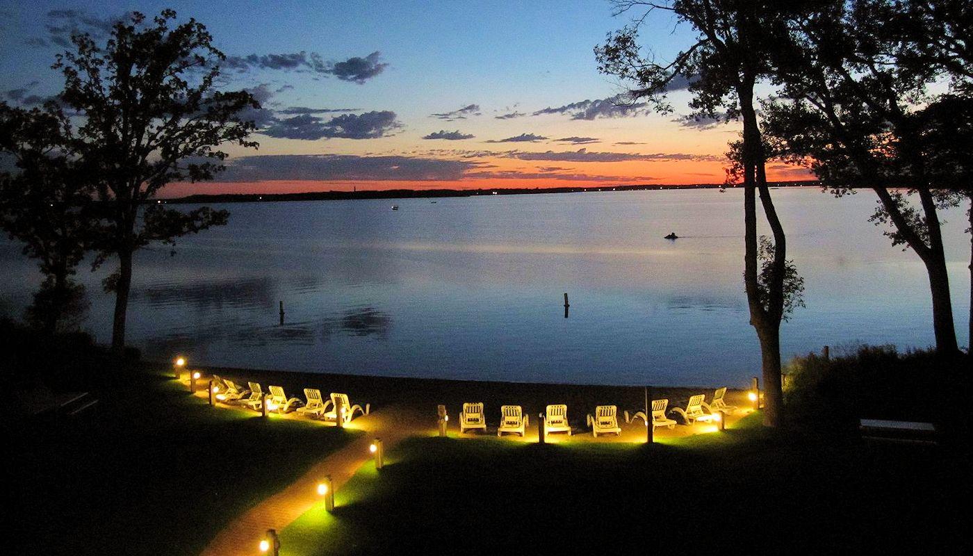 Sunset Toast - The Lodge on Lake Detroit