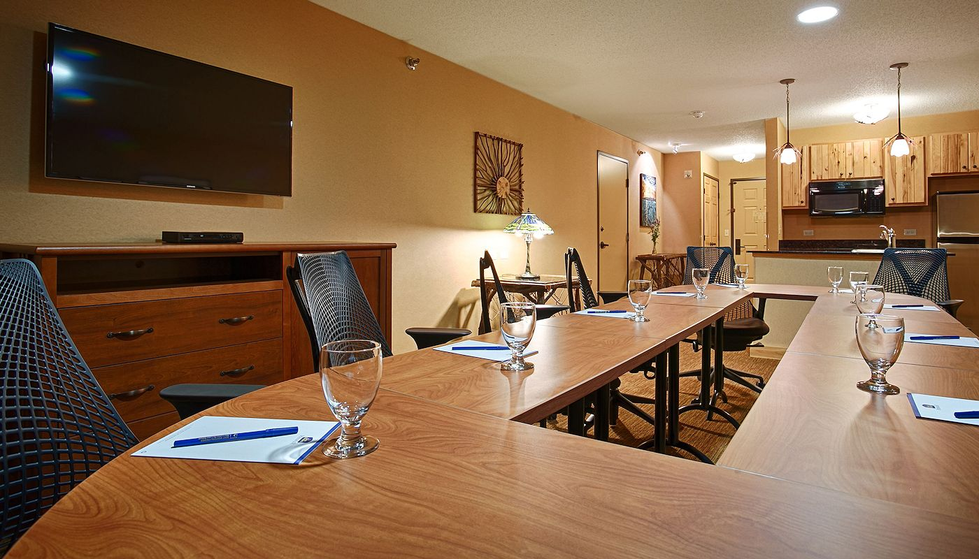 Pokagon Beach Board Room- The Lodge on Lake Detroit